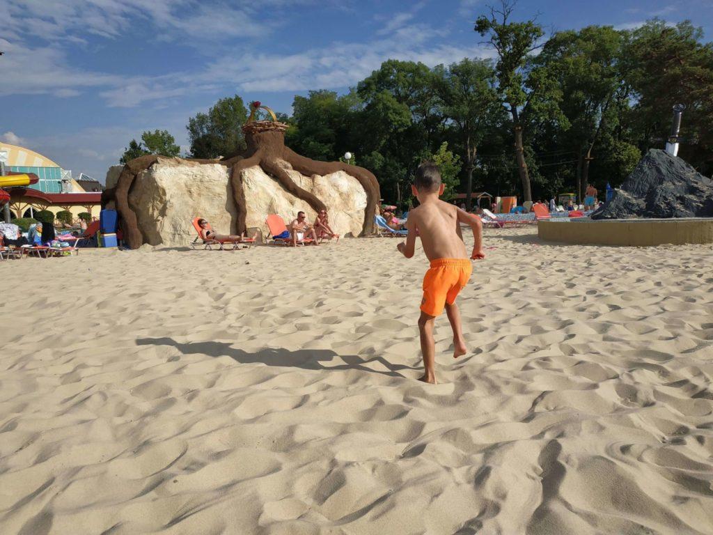 Piesočnatá pláž Veľký Meder