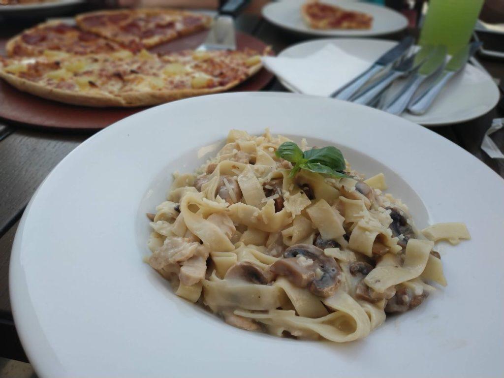 stravovanie v Dubaji
